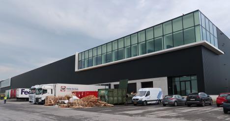 Nyt distributionscenter i Greve har fået sin første nye lejer