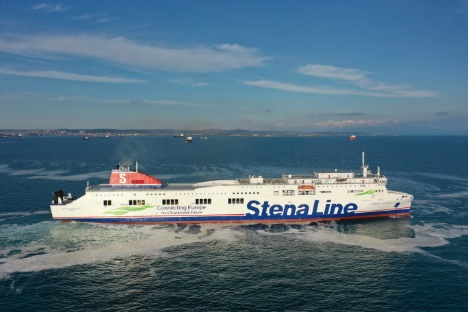 Svensk rederi får første af to forlængede ro/pax-skibe leveret